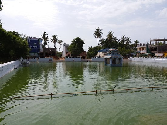 Saniswaran Temple: Temple Pond
