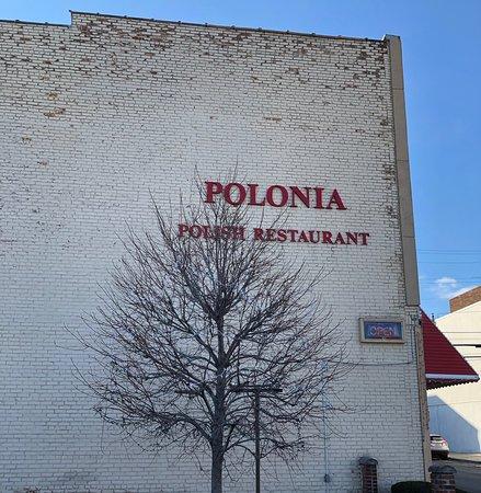 Polonia Polish Restaurant: The outside of the restaurant.