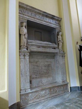 Monumento funebre nella navata dx