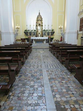 la cappella del SS.Sacramento con il pavimento originale