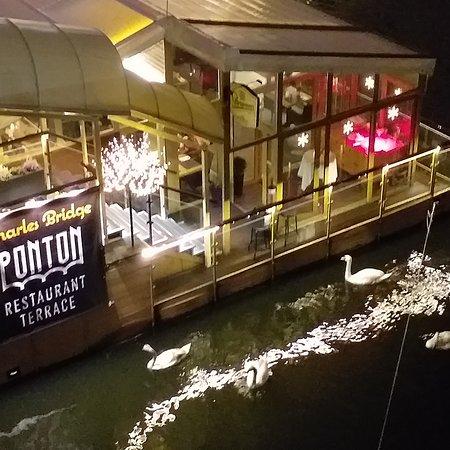 Restaurants charles bridge Restaurace v Praze u Karlova Mostu na Vltavě