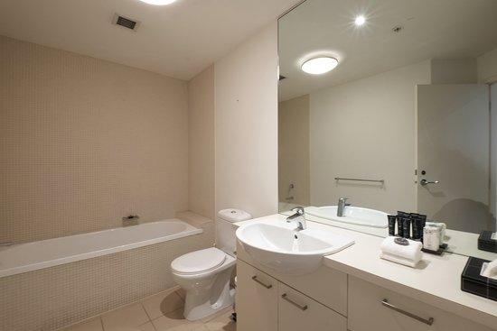 Executive Two Bedroom One Bathroom Apartment - Bathroom