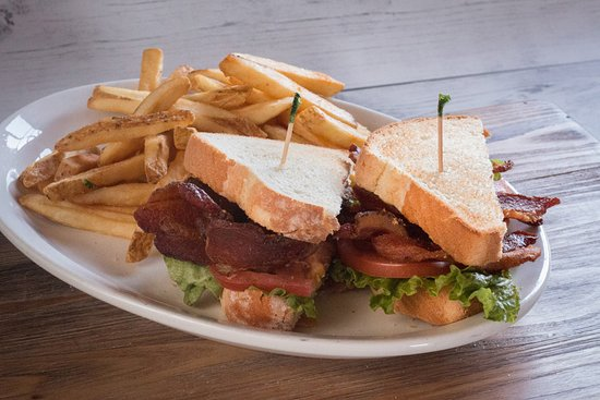 The Machine Shed Restaurant: Bacon, Lettuce, Tomato & Bacon