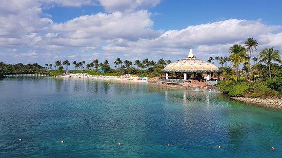 "Аквапарк ""Аквавенчер"" на курорте ""Атлантис Пэрадайз Айлэнд"": Parque Aquático Aquaventure de Atlantis Paradise Island"