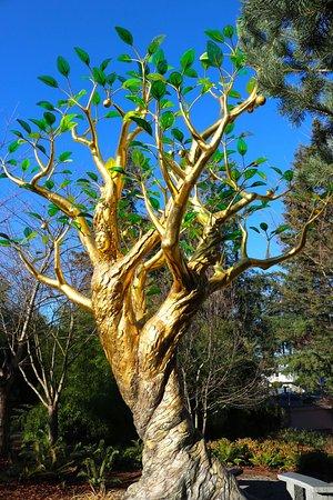 International Friendship Garden: Tree artwork