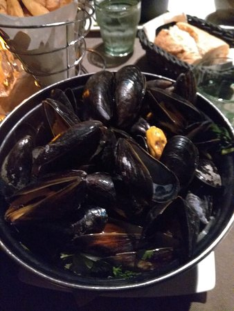 Poules Moules: Mussels