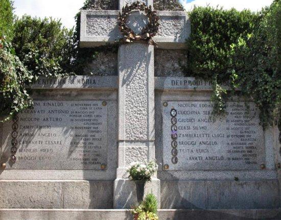 Monumento ai caduti di Barasso