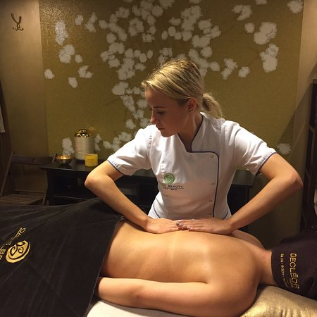 Body treatment Royal Ritual from Bali in VIP ROOM and sauna.