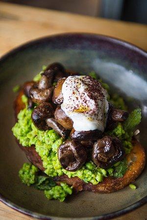 Peas, love & 'shrooms