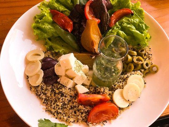 Hotel Manada del Desierto: Ensalada de Quinoa (Restaurante Manada