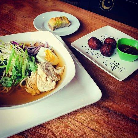 Zaatar Cocina De Oriente: Ramen