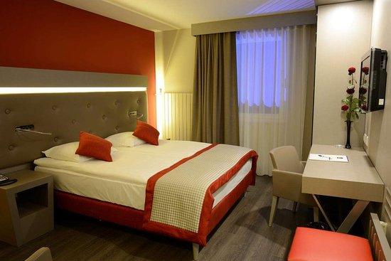 Standard Full Bed