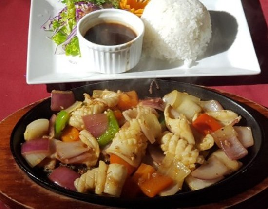 Downtown Cafe & Restaurant: Squid sizzled with rice