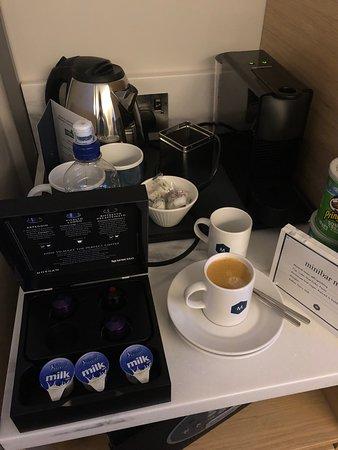 Café disponível no quarto...Free