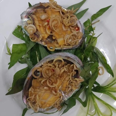 33 De Tham Restaurant