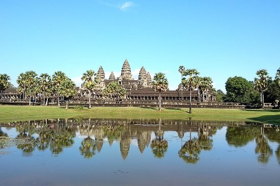 Angkor Wat tour & local food...