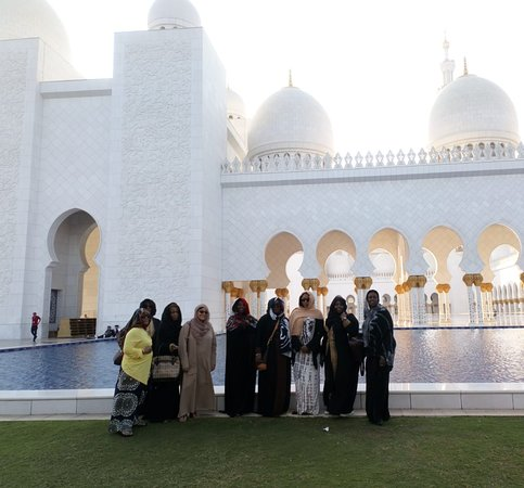 Guests at Sheikh Zayed Grand Mosque