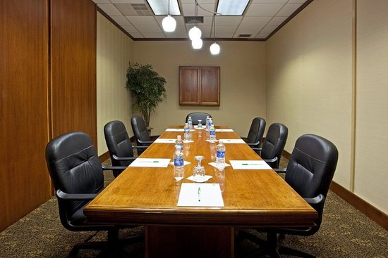 Clarion, PA: Meeting room