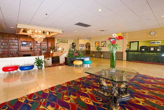 West Middlesex, PA: Lobby
