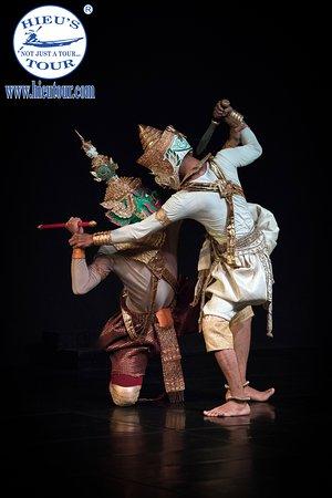 Apsara traditional dancing Cambodia - www.hieutour.com +84939666156 contact@hieutour. http://hieutour.com/tour/incredible-cambodia-trip-3-days-2-nights/