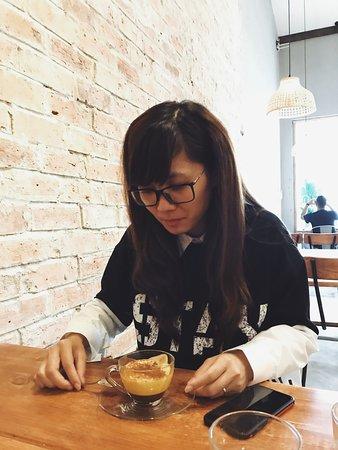 The Hideout café - K72/24 Nguyen Van Thoai