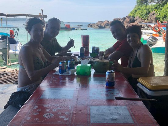 Phu Quoc Jeep Tour: Speed boat trip