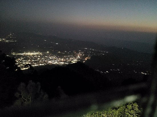 Jammu City, Indie: this is the night view of jammu -india picture click frm 11000+ feet above the ground level.