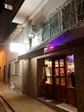 Vitola: находиться не далеко от бульвара Прадо