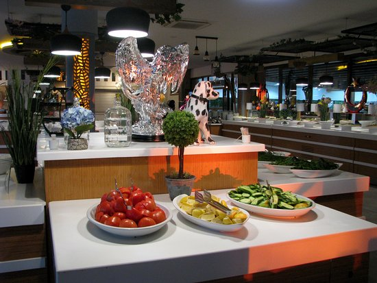 "Beldibi Hotel: ""Зелёный уголок"" ресторана на завтрак"