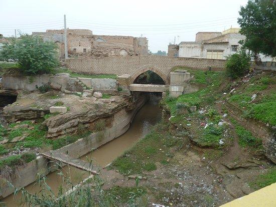Ein Seitenkanal zur Stadt