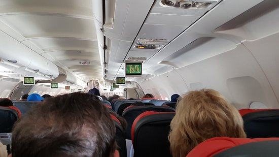 Turkish Airlines: Airbus 321-200 economy class.
