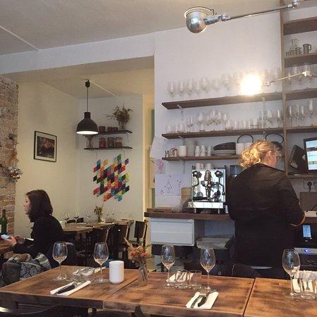 mijo t paris belleville pere lachaise restaurant reviews phone number photos tripadvisor. Black Bedroom Furniture Sets. Home Design Ideas