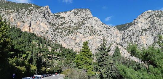 Delphi, Greece: Μαντείο των Δελφών. ΤΟΠΟΣ ΠΟΥ ΠΡΕΠΕΙ ΝΑ ΕΠΙΣΚΕΥΘΕΙ ΚΑΝΕΙΣ.