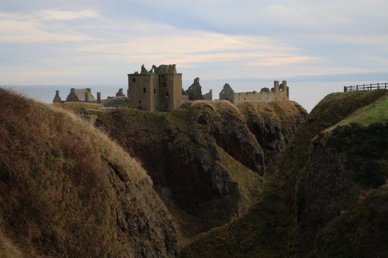 Full-Day Highland Mystery Tour from Aberdeen: Dunnottar Castle high on rocks