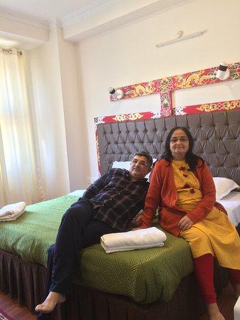 Бутан: In the cosy room at Thimphu. Hotel kubera.