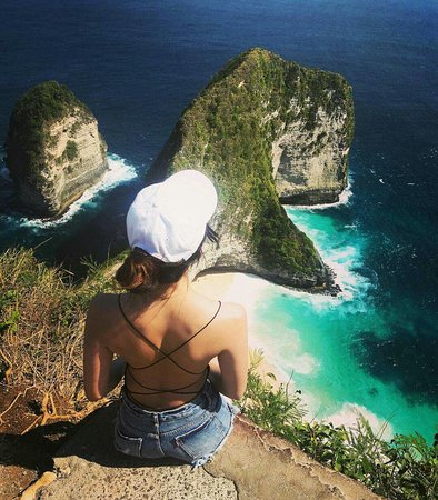 Wisata Nusa Penida: Tempat wisata yang paling fenomenal di nusa penida banyak wisata asing atau lokal yg datang ke nusa penida  Ayoo buruan booking 085829315171