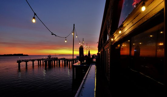 Steamers Clam Bar & Grill: Sunset delight