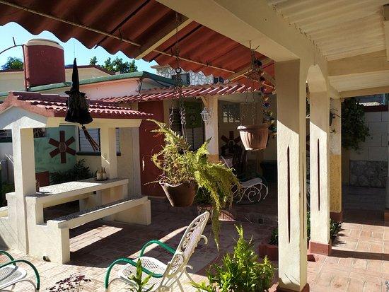 Casa Particular Mario Garcia Rodriguez Mayito: Terraza, patio