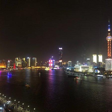Window View - Les Suites Orient, Bund Shanghai Photo