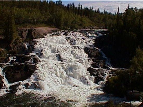 Cameron River Falls Trail Bild