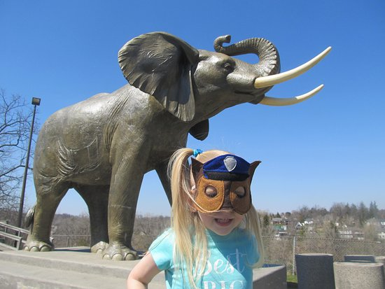 Jumbo The Elephant Monument: Jumbo