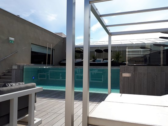 Catalonia Magdalenes: Roof top pool