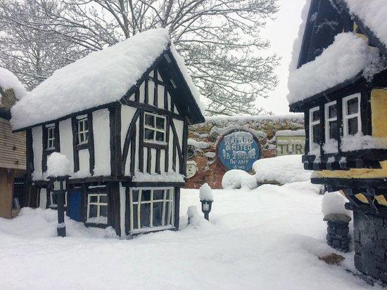Soar Valley Garden Railway: Model Village in the Snow