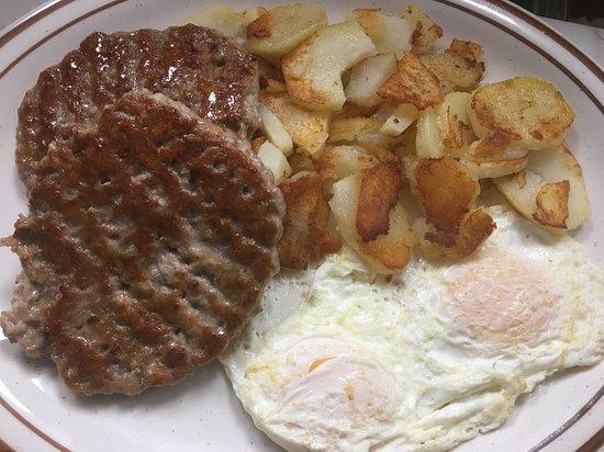 T & R Junction: Breakfast