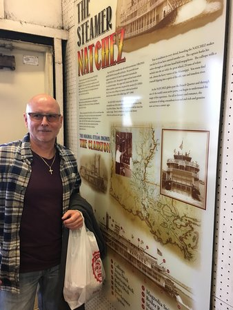 Steamboat Natchez: Information about the boat