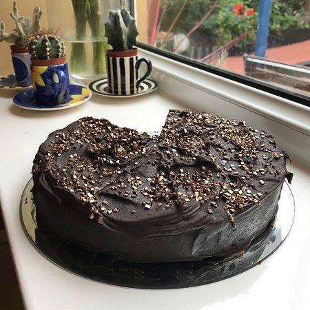 Chocaccino Chocolate Cafe and Shop: Vegan Chocolate Fudge Cake