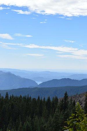 Views on the Ptarmigan trail.