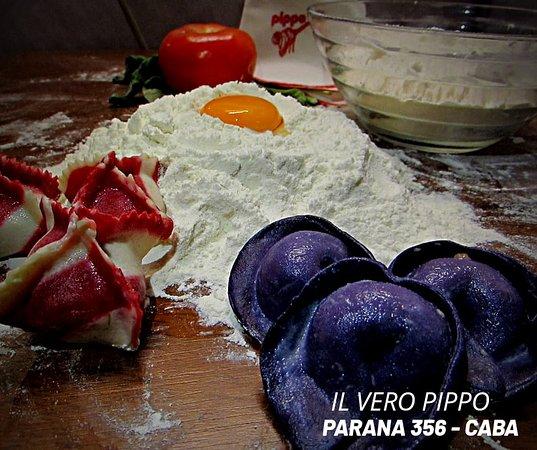 Pippo Restaurant (Parana): Preparando las pastas que te ofreceremos en la cena.