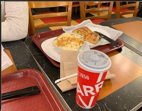 Sbarro: Mac & Cheese & Stromboli & Coke & Good times