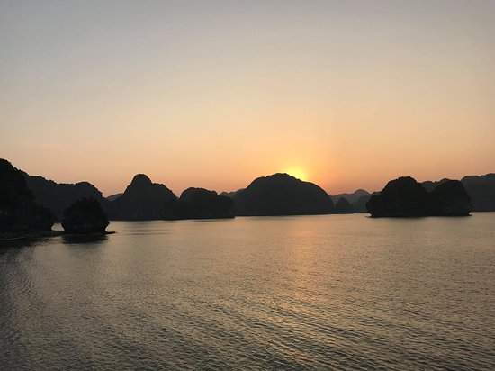Vega Travel: watching the sunset unbothered by other boats